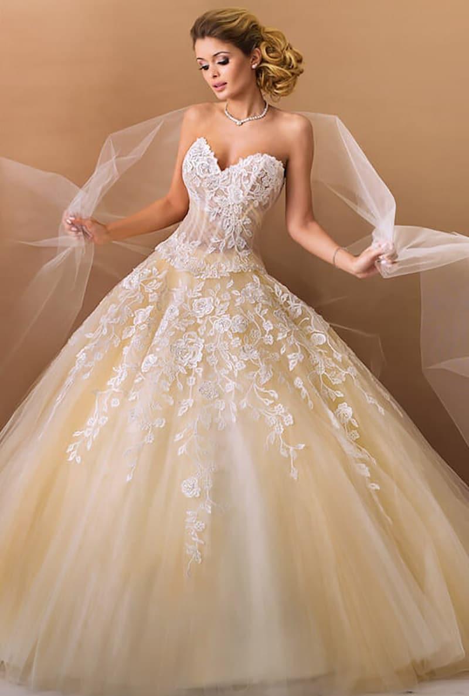 Traumhafte Brautkleider von Agora  Braut Tempel ®