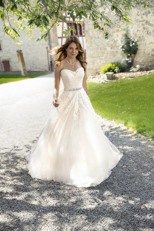 Exklusive Brautmode für Frankfurt  Braut Tempel ®