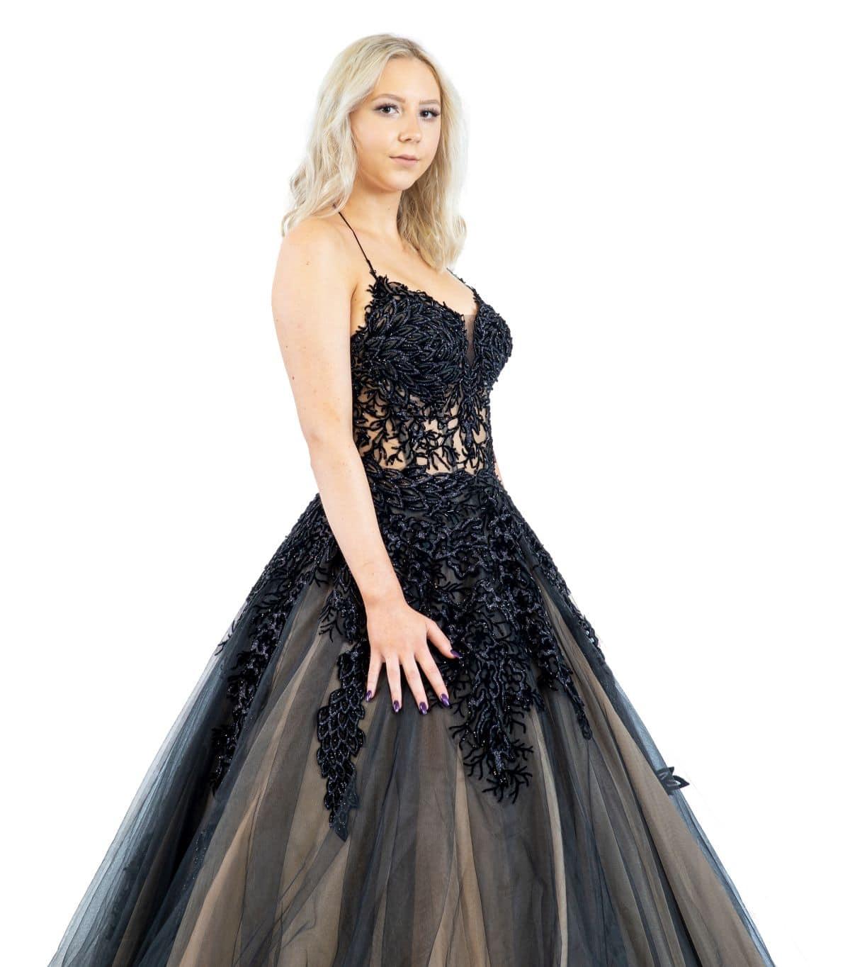 Julia schwarzes Brautkleid detailansicht